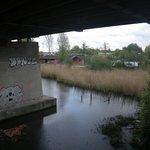 Accès à pied par le pont