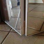 Spiegel am Schrank