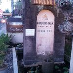 Front of Tunjung