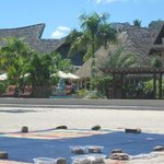 Intercontinental Resort & Spa de Moorea activité Pareoperso sur la plage