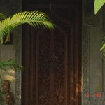 Porte d'entrée sculptée