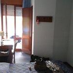 Zimmer in Richtung Balkon