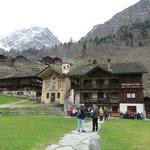 Pedemonte il borgo dei Walser e il ristorante  Montagna di luce
