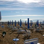 la plage (en été çà doit être bondé !)