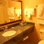 nice bathroom at Radisson Hotel Austin Downtown
