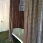 claw foot tub in winnie's room :)