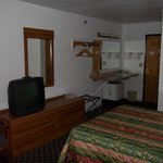 single qween room