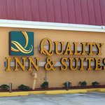 ‪Quality Inn & Suites‬