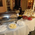 Dessert buffet included crepes