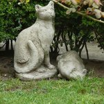 In the garden, Statues in memory of two family members