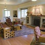 Ola'a Plantation living room