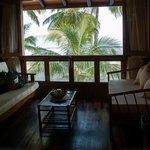 zitkamer met uitzicht op zee