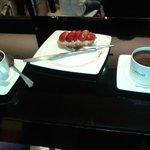 Chocolates y pastel 7,75€