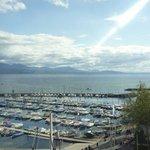 La vue de la chambre sur le port d'Ouchy et le Lac Léman