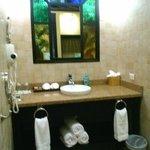 bath/vanity area
