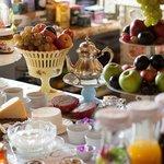 Mesa de frutas no café da manhã