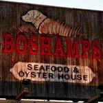 Right on Highway 98 in Destin-Boshamps