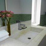 Deluxe bathroom amenities