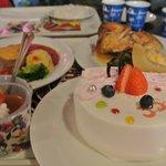 custard costs 700 yen, 1 whole cake costs around  2,500 yen