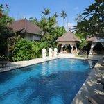 Zwembad bij Tanjung Mas