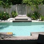 Privat Pool zur Beach Villa mit open Dusche
