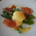 Poached Egg in Hollandaise with Spring Asparagus