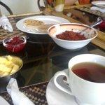 Ausgiebiges landestypisches Frühstück