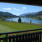 Blick vom Balkon einer Wohnung in Richtung Lienzer Dolomiten