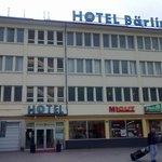 Eingangsansicht Hotel Bärlin
