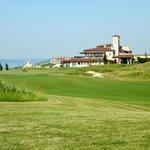 Golf - Spielbahn 9 Blick zum Klubhaus
