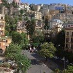 Vista della piazza dal balcone della camera