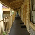 Le couloire en extérieur