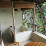 outdoor bath/shower on suite balcony