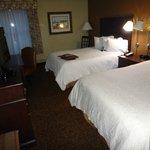 Room 216 - 2 Queens