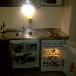 Cocina con frigobar