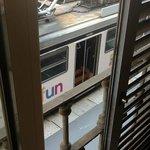 Остановка трамвая прямо под окном ;)