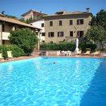 Corpo pricipale Villa Nencini e piscina