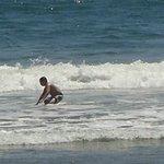 Mi hijo en el mar.  Super divertido