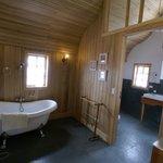 baño tina de suite