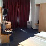 Room 103 - spacious although faces the street