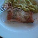 salmón con pastelera, según amigos lo mejor de la casa