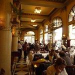 "Café-restaurant ""Las Violettas"""