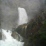 cascada del rio mundo