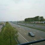 Blick vom Restaurant auf die Autobahn A4