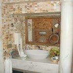 Room 301, Sink