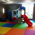 Kids play area in breakfast room - NICE!!!!