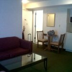 Room 709: Large foyer & seating area
