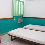 aircondition room 2pax 2 beds