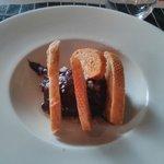 Chocolate con pan, aceite y sal