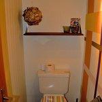 Toilette mit schöner Deko und Comics ;-)